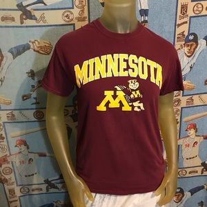 University of Minnesota Golden Gophers Tee Size S
